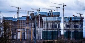 Кто больше всех строит жилья?