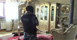 Арест чиновника в его квартире