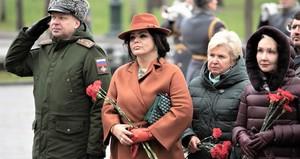 Елена Николаева отмечает 7 ноября