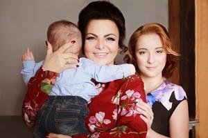 Елена Леонидовна с детьми