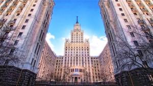 Сталинская высотка на Садовой-Спасской