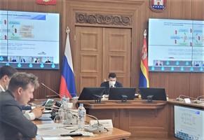 Антон Глушков на совещании